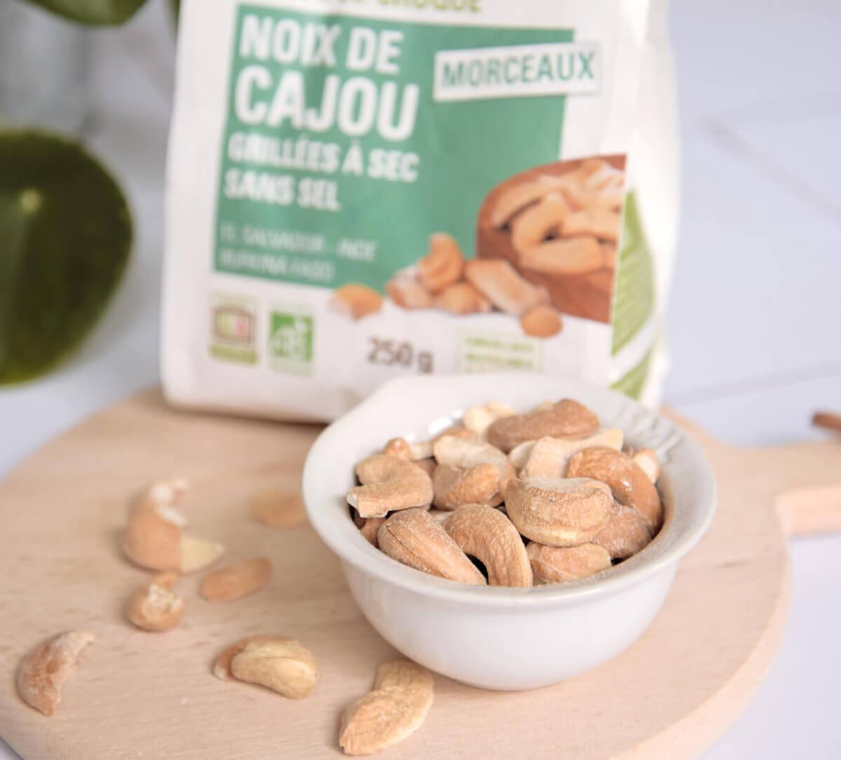 Ethiquable - Morceaux de noix de cajou bio, grillées à sec sans selI Commerce Equitable